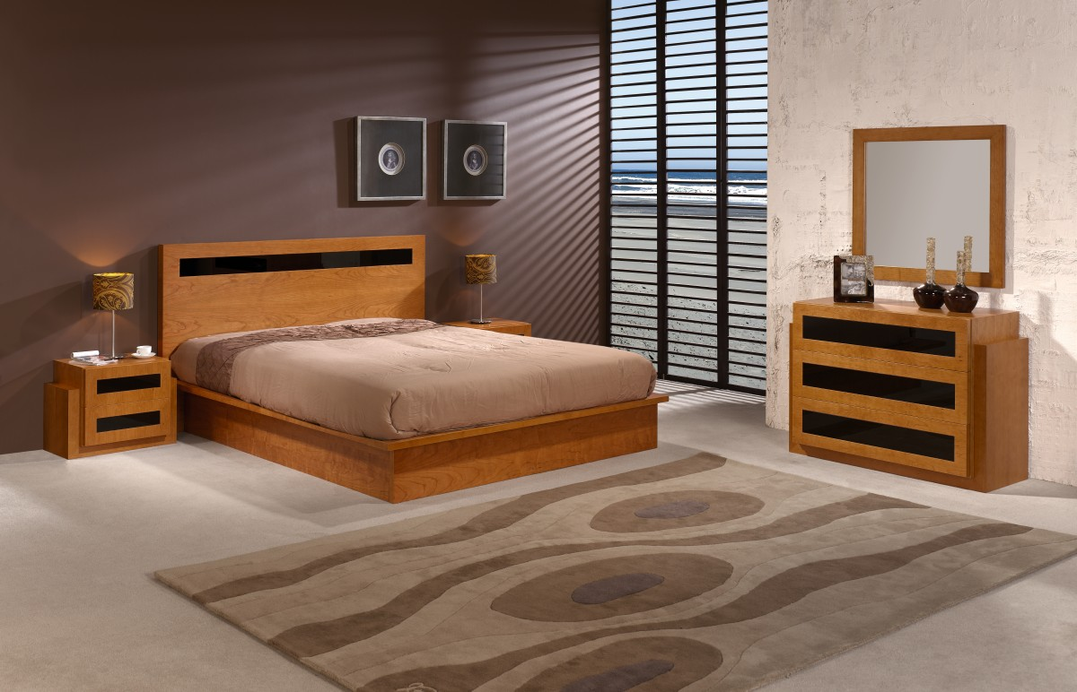 chambre a coucher en bois rouge. Black Bedroom Furniture Sets. Home Design Ideas